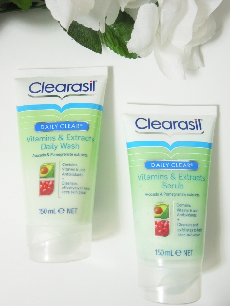 clearasil daily clear vitamins and extracts daily wash and scrub