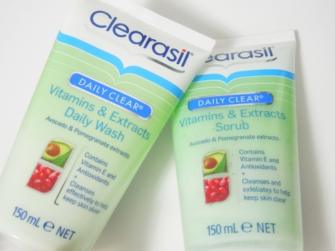 clearasil daily clear vitamins and extracts daily wash scrub