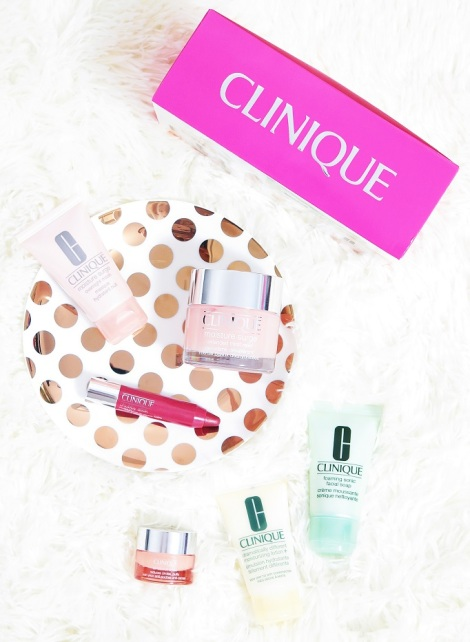 clinique best of clinique holiday set christmas moisture surge extended thirst relief overnight mask all about eyes chubby stick strawberry dramatically different moisturising lotion + gel foaming sonic facial soap