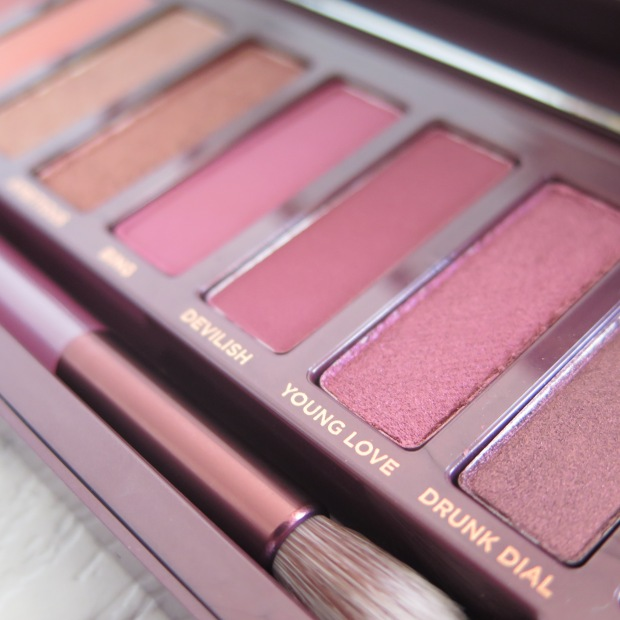 URBAN DECAY NAKED CHERRY PALETTE COLLECTION SWATCHES REVIEW EYESHADOW 2